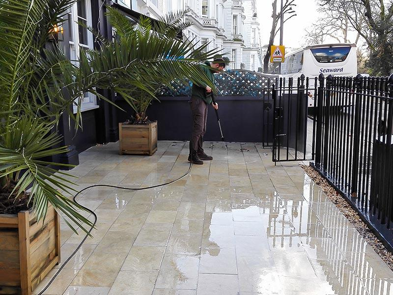 pressure washing in N1