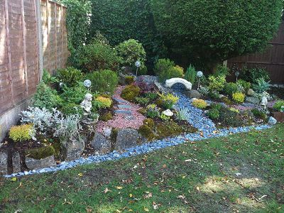 garden area covered with colourful slates