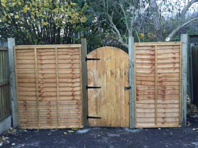 Fence and garden gate repair in Acton