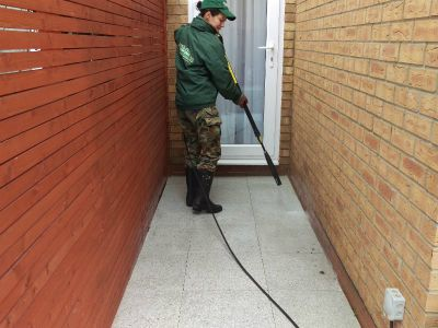 pressure washing tiles in Fulham