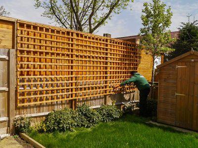 installing trellis panel